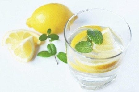 benefits of lemon water glass