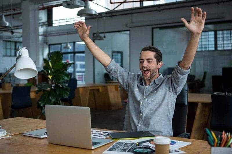 10 Popular Lies Successful People Don't Believe