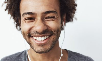 How a mindful smile improves your happiness