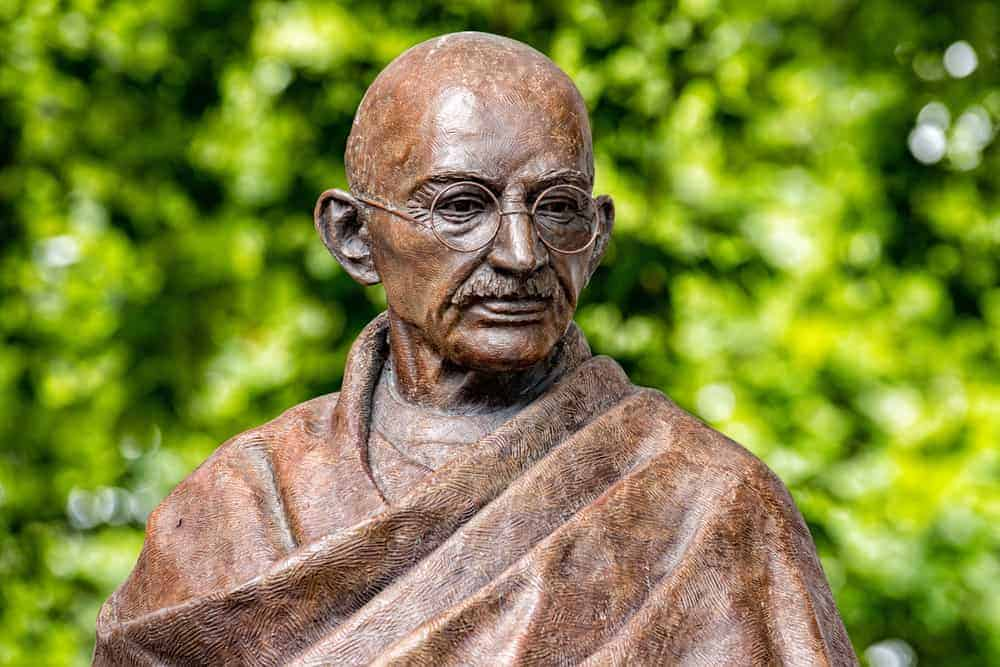 60 Mahatma Gandhi Quotes On Living with Peace and Love