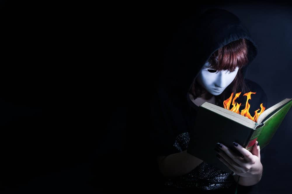 Fahrenheit 451 Quotes on Censorship, Society, and More